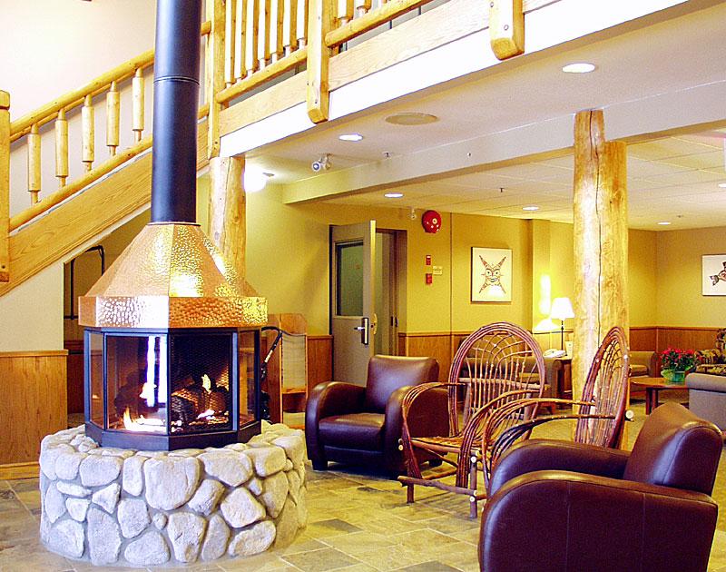Yukon-Inn-Lobby-04